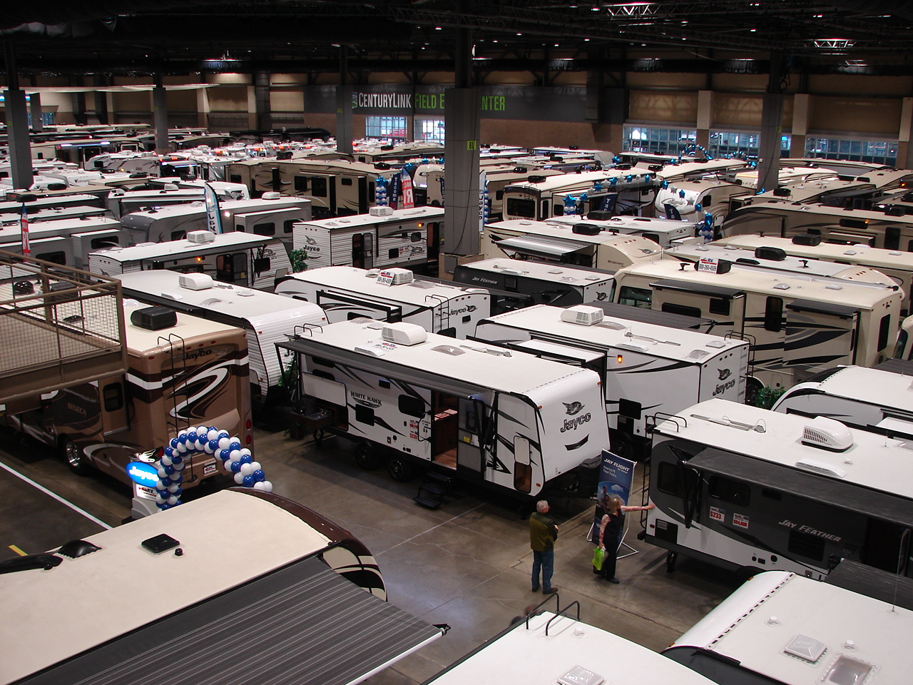 Hundreds of RVs
